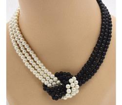Halskette Perlen weiss schwarz